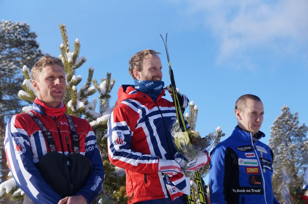 Pallen i combined herrer med Yngve Hoel på toppen, Eskil Knag nummer to og Vesa Pekka Jurvelin fra Finland som nummer 3